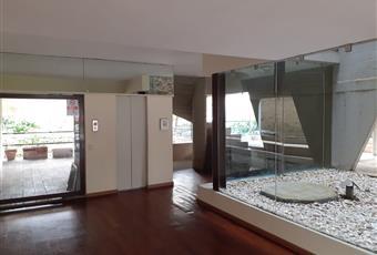 Il pavimento è di parquet, il salone è luminoso, il pavimento è piastrellato Lazio RM Roma