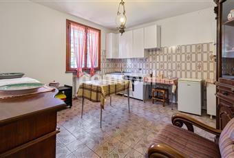 Cucina abitabile con ampia finestra Emilia-Romagna RE Scandiano