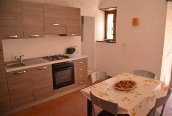 Il pavimento è di parquet, il pavimento è piastrellato, la cucina è luminosa Toscana MS Fosdinovo