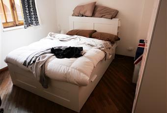Le camere da letto sono quattro ampie e luminose, completamente arredate con mobili nuovi e letti matrimoniali. Il pavimento è di parquet Emilia-Romagna BO Bologna