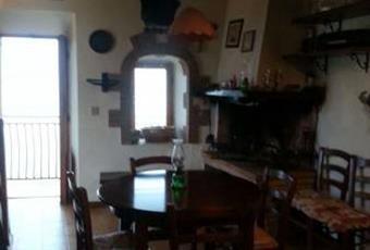 Il pavimento è di parquet, il salone è luminoso, il pavimento è piastrellato Lazio RM Moricone