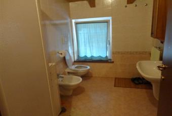 Il bagno è grande, luminoso e con travi a vista. Trentino-Alto Adige TN Trento