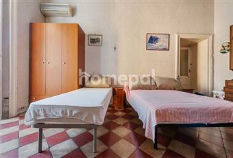 Camera da letto con balcone Campania NA Napoli