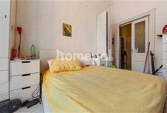 Camera da letto matrimoniale con balcone Campania NA Napoli