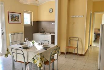 Il pavimento è piastrellato, la cucina è luminosa Veneto VR Costermano