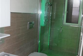 sanitari sospesi, box doccia in cristallo, idromassaggio,  Puglia TA Taranto