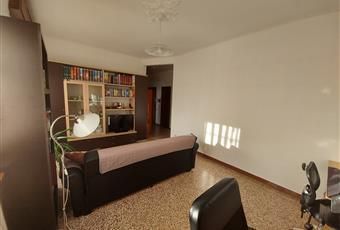Il salone è ampio, luminoso e dotato di climatizzatore. Lombardia MB Carnate