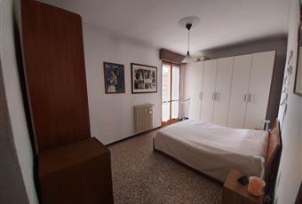 La camera da letto è molto grande e si affaccia sul cortile interno Lombardia MB Carnate