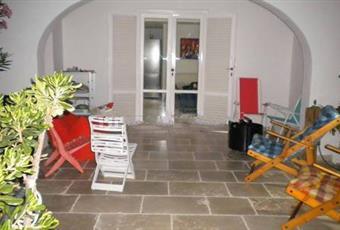 Il pavimento è piastrellato Puglia BR Cisternino