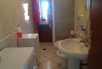 Il pavimento è piastrellato, il bagno è luminoso Calabria CZ Gizzeria