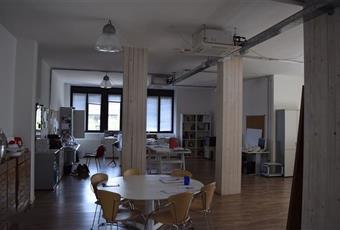 Gli uffici sono luminosi e nuovi ristrutturati da poco seguendo una logica di design industriale/fashion. I locali sono tutti cablati, riscaldati e raffrescati. Lombardia MB Agrate Brianza