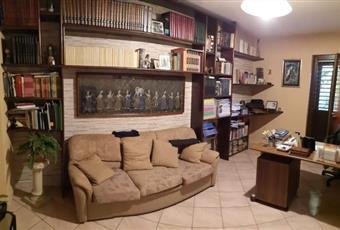 Il pavimento è piastrellato, il salone è luminoso Campania AV Monteforte Irpino