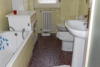 Il pavimento è piastrellato, il bagno è luminoso Friuli-Venezia Giulia TS Trieste