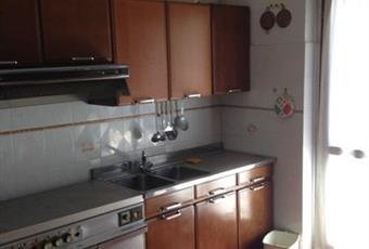Il pavimento è piastrellato, la cucina è luminosa Campania AV San Mango sul Calore
