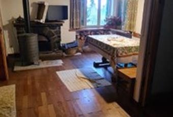Il pavimento è di parquet Piemonte AL Fabbrica Curone