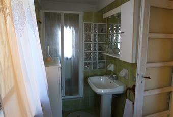 Il pavimento è piastrellato, il bagno è luminoso Piemonte AL Alessandria