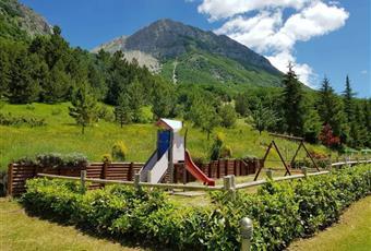 Il giardino è con erba Abruzzo AQ Campo di Giove