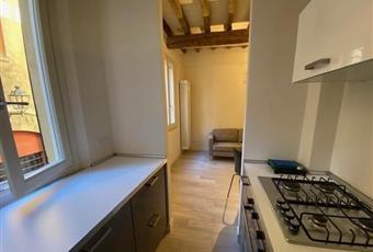 La cucina è luminosa, il pavimento è di parquet Emilia-Romagna MO Modena