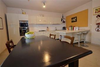 Il pavimento è piastrellato, la cucina è luminosa Piemonte AL Conzano