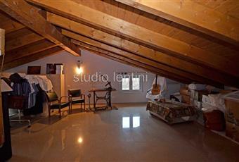 Il salone è luminoso, il salone è con soffitto a volta Piemonte AL Conzano