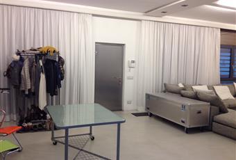 loft open space d 50 mq con scale per accesso al piano camere. tutto finestrato  Lombardia MI Milano