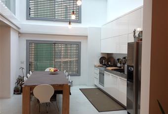 La stanza è a doppio volume altezza 7 mt con tetto completamente vetrato  Lombardia MI Milano
