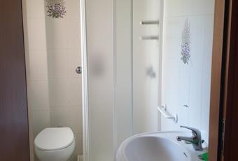 Il bagno di servizio è luminoso  e areato Puglia BR Brindisi