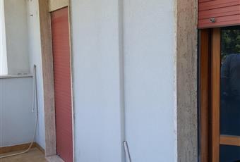 Presenti 3 balconi con duplice esposizione. Balcone soggiorno-camera 9 mq Balcone stanzetta 5,5 mq Balcone stanza matrimoniale 3,5 mq Puglia BR Brindisi