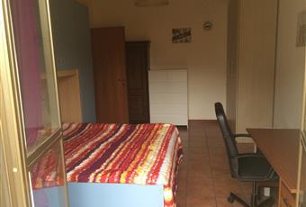 La camera è luminosa, il pavimento è piastrellato Lazio RM Roma