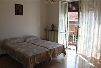 Luminosa e spaziosa camera da letto matrimoniale con balcone.  Lombardia PV Vigevano