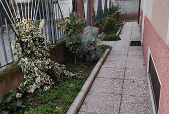 Giardinetto perimetrale alla casa Lombardia PV Vigevano