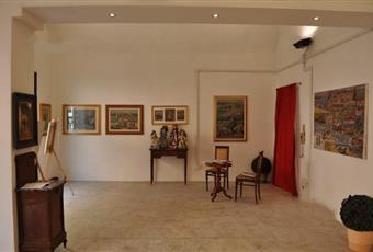 Il pavimento è piastrellato, il salone è con travi a vista Lombardia MN Canneto sull'Oglio