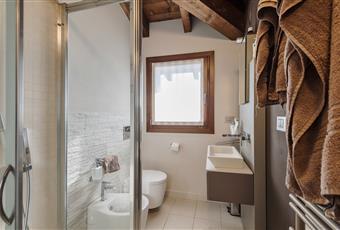 Bagno scenografico con vasca e doccia Piemonte AL Molare