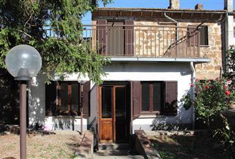 Ampio terrazzo che da sul retro abitazione con possibilità di stendere i panni Lazio VT Viterbo