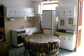 Salone con angolo cucina. Piemonte AL Cassine
