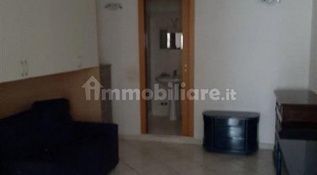 Vendesi appartamento in zona centrale ricercata e strategica a Bari
