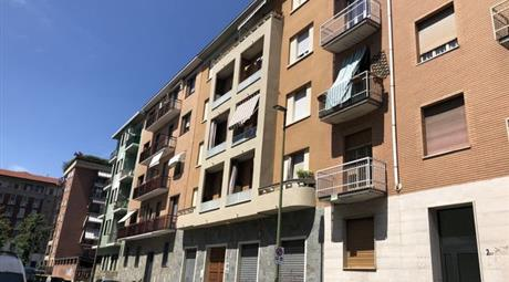 Quadrilocale in Vendita in Via Foresto 4 a Torino