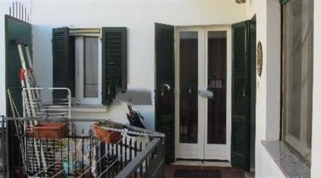 Trilocale in vendita in via del Moro, 44, Oleggio