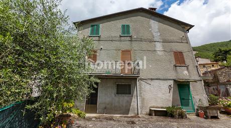 Casa indipendente sulle colline della Versilia