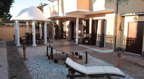Porzione di villa Stradone Sant'anastasio 100