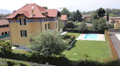 Appartamento Maccagno 4 locali, posto auto,piscina,cantina possibilità  box