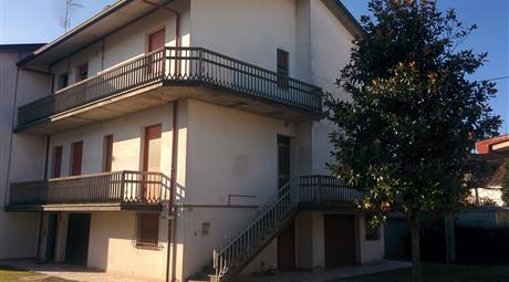 Appartamenti separati in unica unita' - Godo Ra