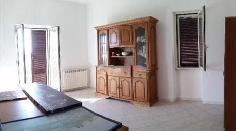 Appartamento su due piani in vendita in via degli argonauti, 13, Martin Pescatore, Pomezia