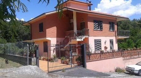 Appartamento in vendita in strada di fongalle s.n.c, Narni