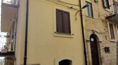 Stabile, Palazzo in Vendita in Via Roma 155 a Mazzarino
