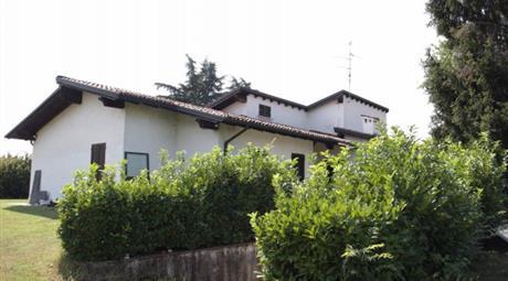 Villa via Trento 15, Paderno Franciacorta