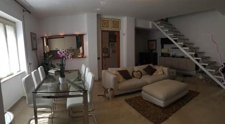 Luminoso appartamento su due livelli