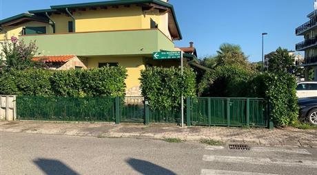 Villetta a schiera in vendita in via Magnolie, 64