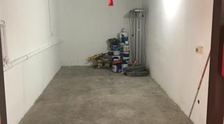Box -Garage Rozzano via dei Garofani