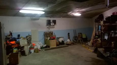 Ampio box garage magazzino